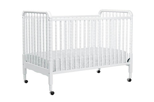 4. DaVinci Jenny Lind 3-in-1 Convertible Crib