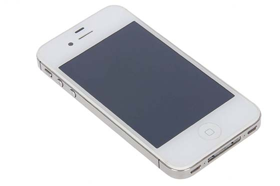 7. Apple iPhone 4S GSM Unlocked 16GB Smartphone ­ White