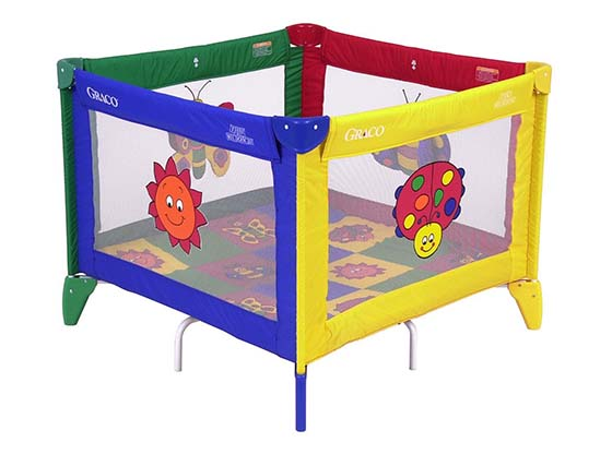2. Graco Pack 'N Play Playard Totbloc with Carry Bag, Bugs Quilt