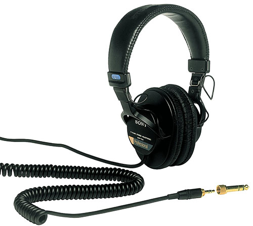 4. Sony MDR7506 Professional Large Diaphragm Headphone