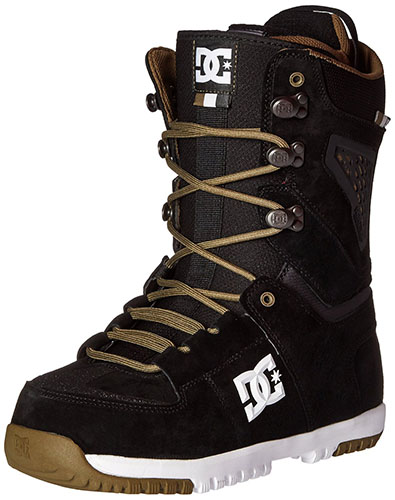 9. Dc man's lynx snowboard boots.